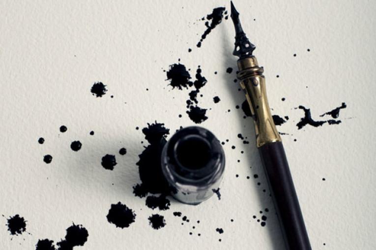 come togliere le macchie di inchiostro