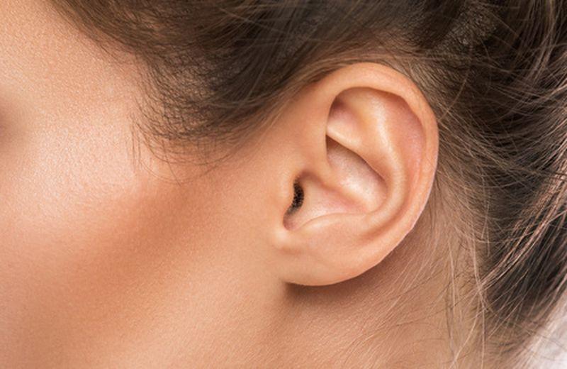 come togliere l'acqua dalle orecchie