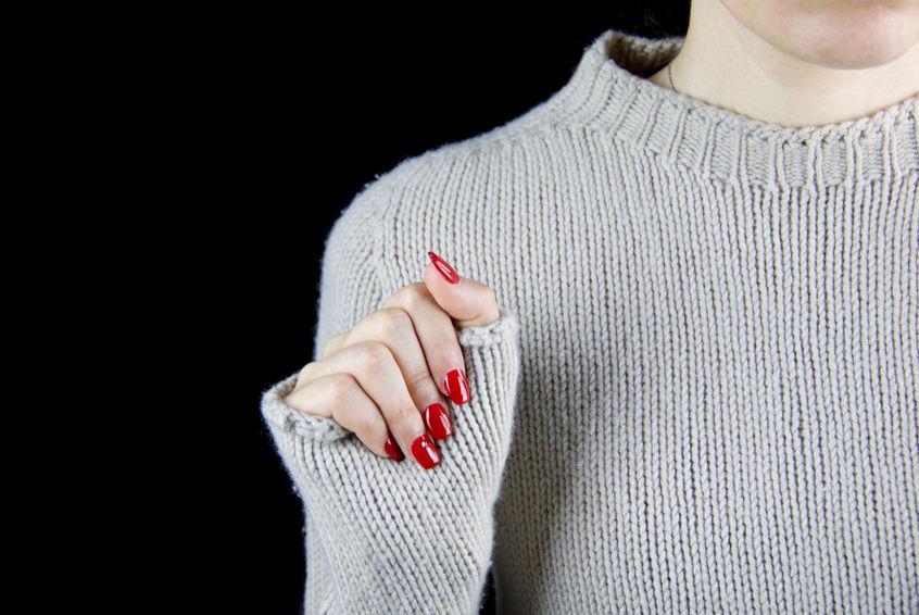come togliere le unghie finte