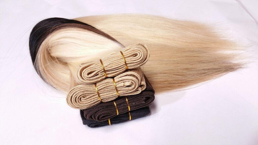 come togliere le extensions dai capelli