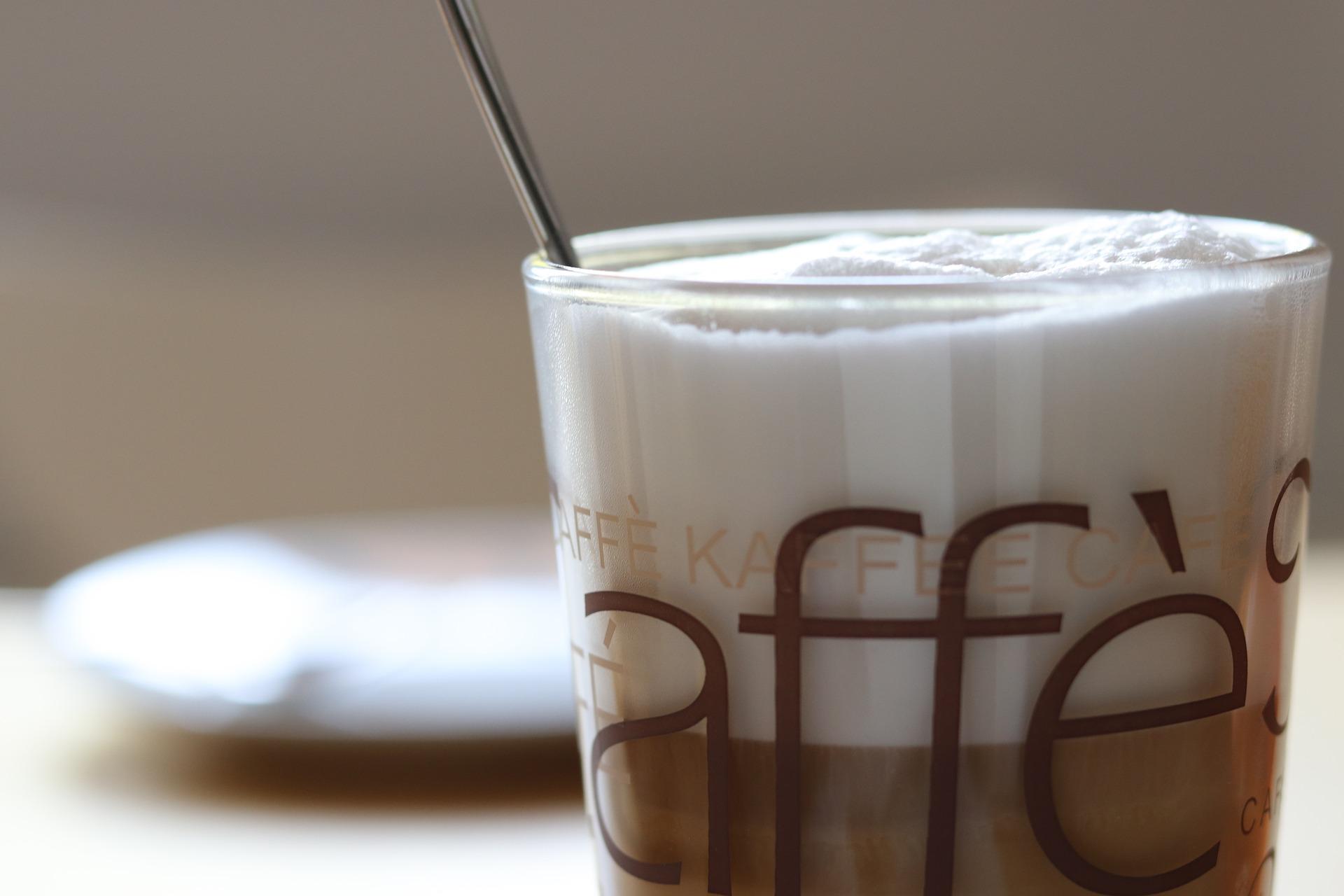 come togliere le macchie di caffè dalla seta