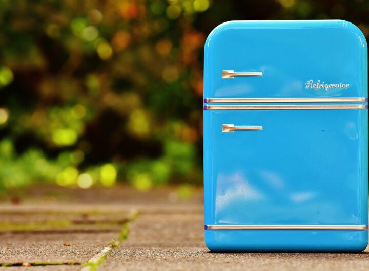 come togliere un'ammaccatura dal frigorifero in acciaio inossidabile